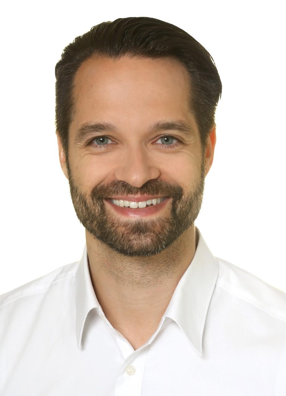 Dr. med. dent. Andreas Simka M. Sc. – Zahnarzt, Endodontie, Parodontologie, Implantologie